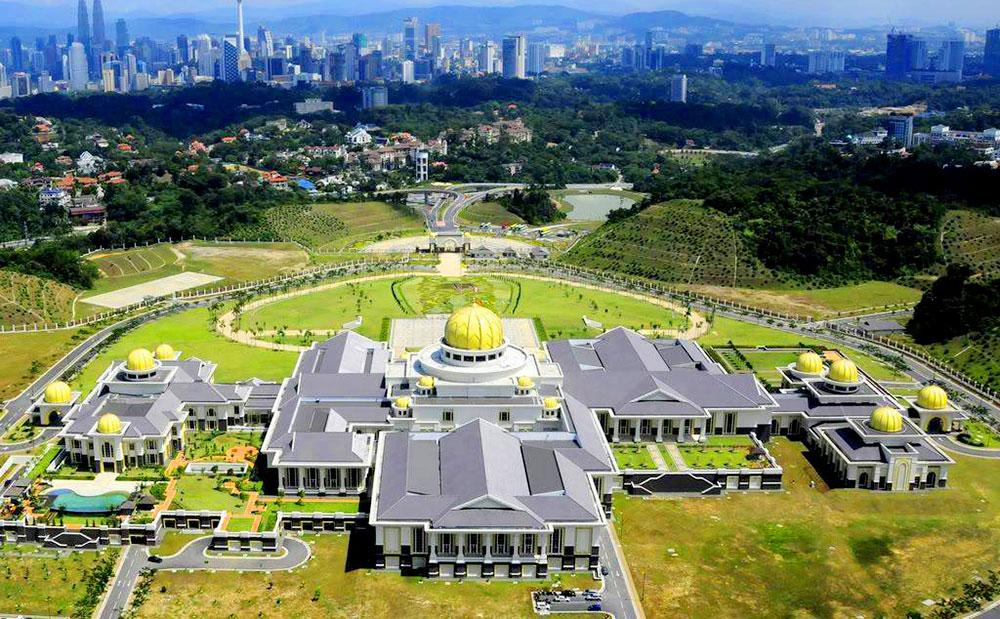 biet-thu-rong-nhat-the-gioi-Istana-Nurul-Iman-Palace-1