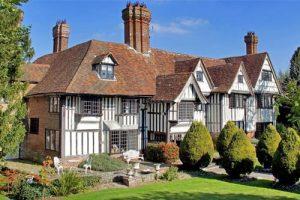 Biệt thự xây kiểu Tudor